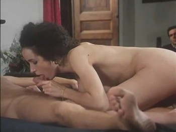 zhenskoe-nizhnee-bele-eroticheskoe