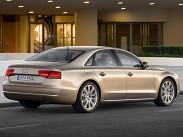 """Цены на Audi A8 стартуют с отметки около 4 миллионов рублей: за эти деньги можно приобрести либо переднеприводную гибридную версию с двухлитровым турбомотором, либо модификации с полным приводом и трехлитровыми моторами -- бензиновым (290 лошадиных сил) или дизельным (250 лошадиных сил). """"Восьмерка"""" с 420-сильным мотором 4.0 TFSI стоит от 4 миллионов 660 тысяч, равно как и версия с 350-сильным дизелем 4.2 TDI. Топ-модель -- A8 L с пятисотсильным мотором 6.3 W12 оценена минимум в 6 миллионов 452 тысячи."""
