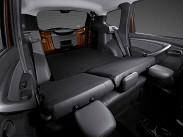 Объем багажника составляет 408 литров у модификации 4х4 и 475 литров у версии 4х2. Со сложенным задним диваном цифра увеличивается до 1570 и до 1636 литров соответственно. Погрузочная длина при сложенных задних сидениях составляет 1760 миллиметров, а если опустить спинку переднего пассажирского сиденья, то в салоне можно будет перевозить длинномеры