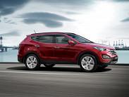 **Hyundai Santa Fe** только что с подиума Московского автосалона. Новинку предлагают в пяти и семиместном варианта с двумя двигателями – бензиновом 2.4 и дизельном 2.2, причем мотор на тяжелом топливе мощнее. Цены на корейскую новинку стартуют от 1 299 000 рублей за полноприводную модификацию с бензиновым мотором, а самая дорогая комплектация с дизельным мотором стоит 1 840 000 рублей.