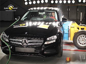 Краш-тест Mercedes-Benz C-Class. Фото Euro NCAP