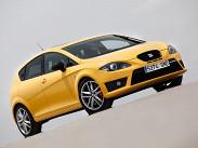 SEAT в последнее время проводит довольно грамотную ценовую политику. Результат – Leon Cupra стоит 1099990 рублей. Это очень неплохое предложение для нынешних времен. У Leon'а передний привод и 68209;ступенчатая «механика». Мощность того же 2.0TFSI доведена до 240 лошадиных сил. Можно ездить на 95-ом бензине.