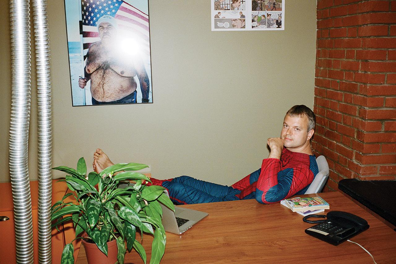 Максим Маслов, генеральный менеджер Comic Con и «Игромира», в костюме Человека-паука