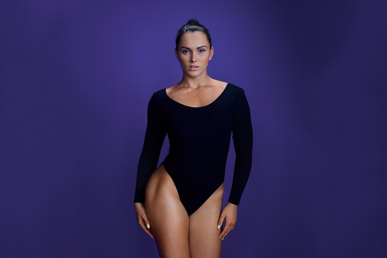Раиса Стрельникова закончила балетное отделение Воронежского хореографического училища. Но серьезная травма подтолкнула к неожиданному решению — уйти в бодибилдинг