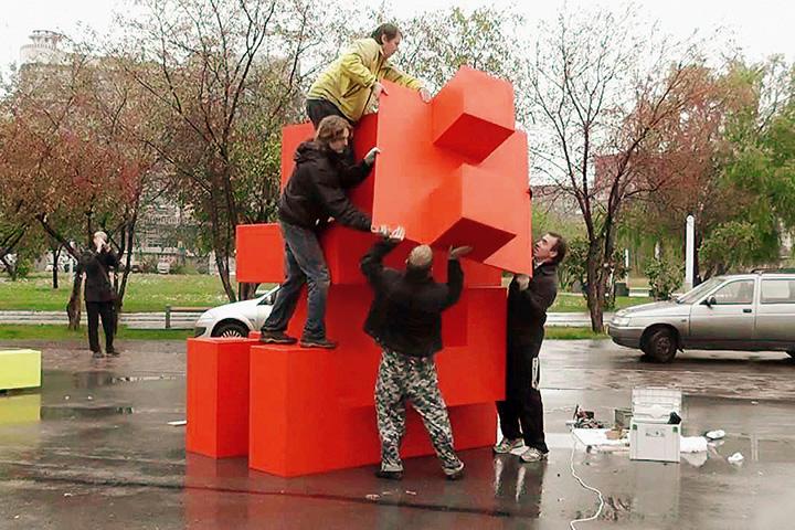 История «Красных человечков» в Перми — один из самых ярких примеров неприятия паблик-арта горожанами
