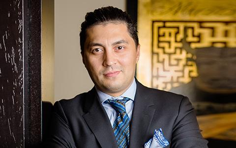 Бек Нарзи: как таджик из Лондона стал одним из главных барменов Москвы