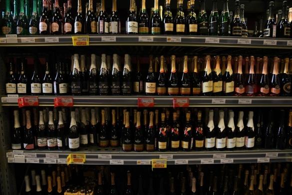 Могут лизапретить продажу алкоголя волгоградцам вновогодние праздники
