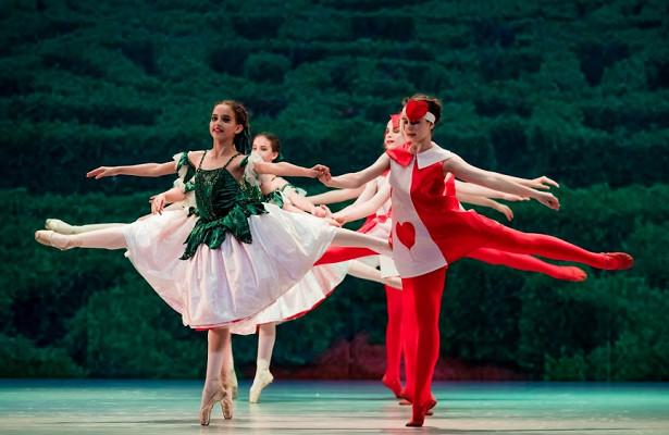 Юные балерины изВладивостока целый месяц гастролировали вКитае