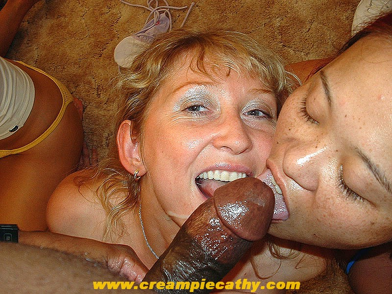 Redhead blonde captain stabbin threesome