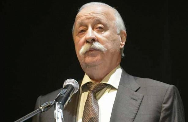 Якубович продал арбуз сосвоим автографом