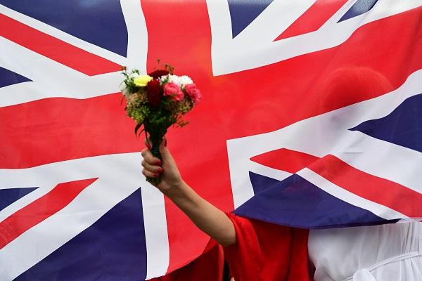 Великобритания возобновит авиасообщение неранее 17мая