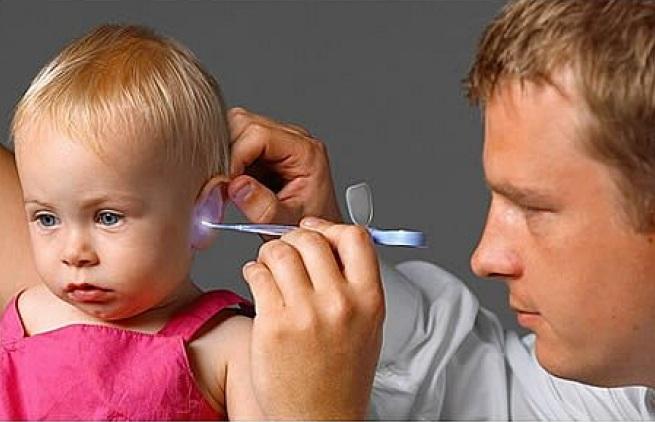Если у ребенка болит ухо как лечить