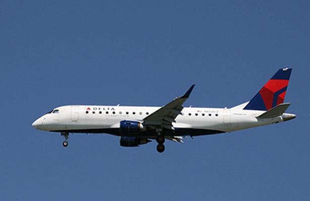 Boeing 757-200совершил вынужденную посадку вСШАиз-завозможных проблем сдвигателем