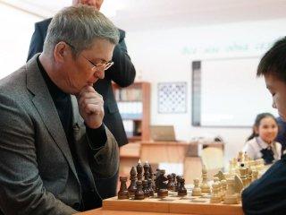 «Непозорно»: Радий Хабиров проиграл шестикласснику изБашкирии