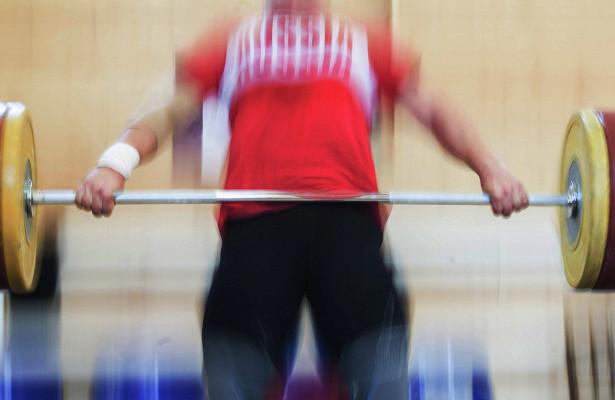 Трёх тяжелоатлетов дисквалифицировали задопинг