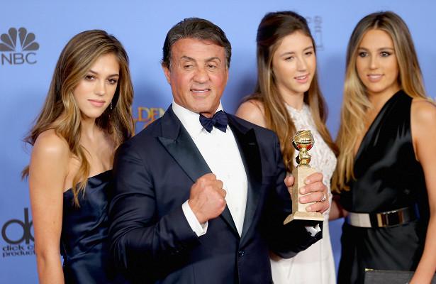 Голливуд готовится к«Золотому глобусу»! Статуэтки будут вручать дочери Сталлоне! Почему они?