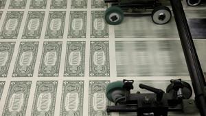 Назван способ спасения россиян откраха доллара
