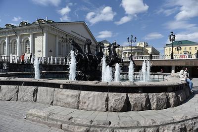 ВМоскве открывается выставка «Здесь исейчас!»