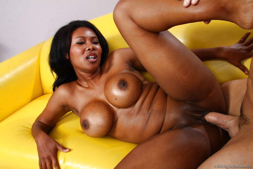60 mature low hanging tits