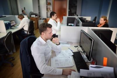 Страховой компании «МАКС» грозит штраф занеперевод людей наудаленку