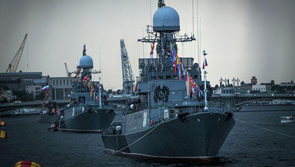 Боевые корабли попали в«ледяной плен» вБалтийске