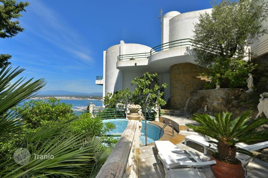 Дома, Коттеджи и Виллы в продаже на Коста Брава, Испания