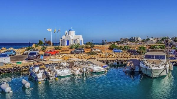 Кипр перенес открытие границ дляроссийских туристов