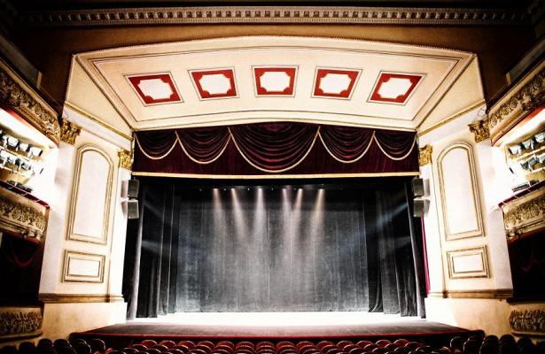 Новый сезон Театра мюзикла откроется спектаклем кюбилею Михаила Швыдкого