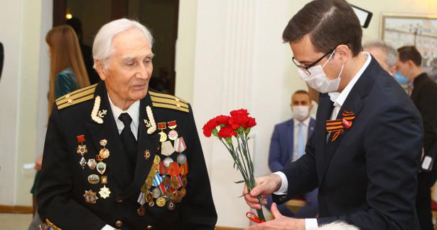 Шалабаев встретился сучастниками ВОВ
