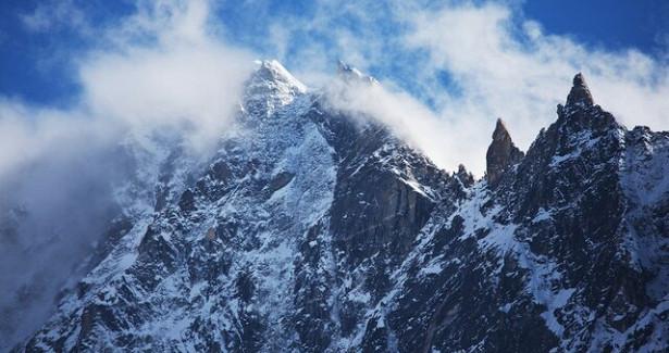 Трое пропавших вНепале российских альпинистов нашлись