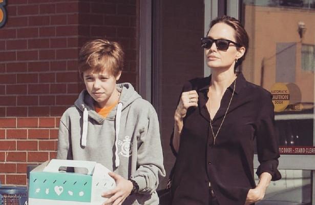 Дочь Анджелины Джоли снова стала девочкой