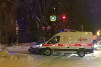 ВЕкатеринбурге скорая помощь столкнулась синомаркой