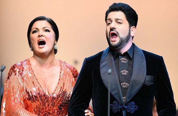 Анна Нетребко вновь поет втеатре ЛаСкала. «Опера барахтается, пытаясь выжить» (LaRepubblica, Италия)