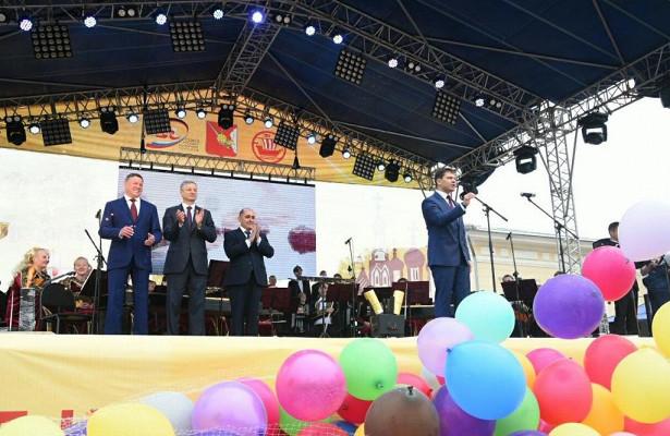 НаКремлевской площади Вологды торжественно дали старт торжествам вчесть Днягорода