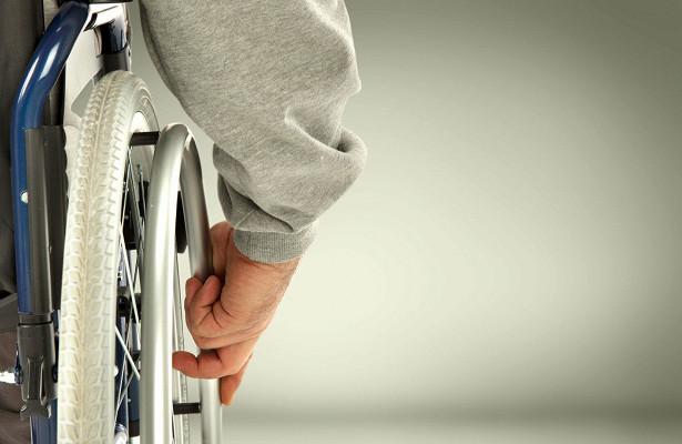 Работодателей могут обязать нанимать инвалидов