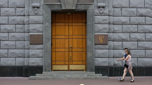 Российские парламентарии потребовали отКиева освободить филолога-русиста