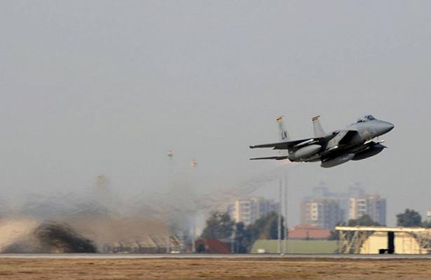 НаУкраине объяснили правила полетов ВВСНАТО возле Крыма