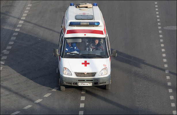 Россиянка выбросила детей вокно иударила себя ножом