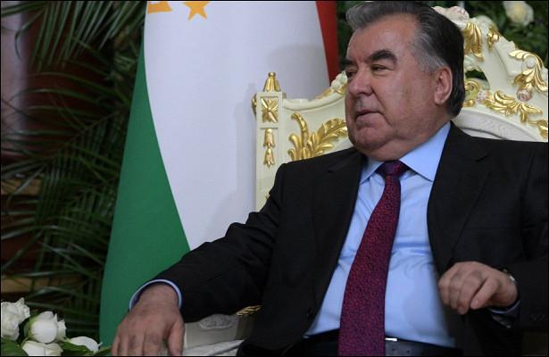 Эмомали Рахмон поздравил Садыра Жапарова спобедой навыборах вКыргызстане
