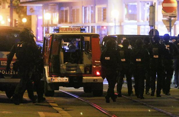 Глава МВДАвстрии неподтвердил информацию озахвате заложников
