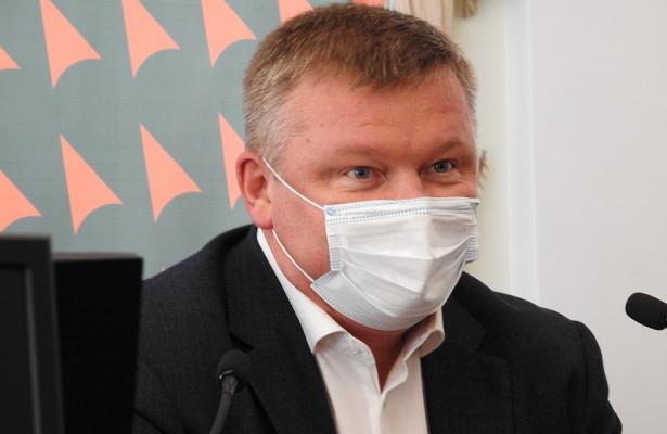 Саратовский активист потребовал наказать Исаева идепутатов заотсутствие социальной дистанции