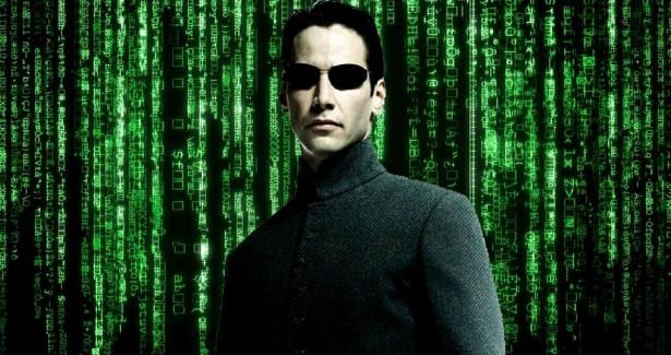 Скандал вокруг «Матрицы 4»: были линарушены протоколы безопасности?