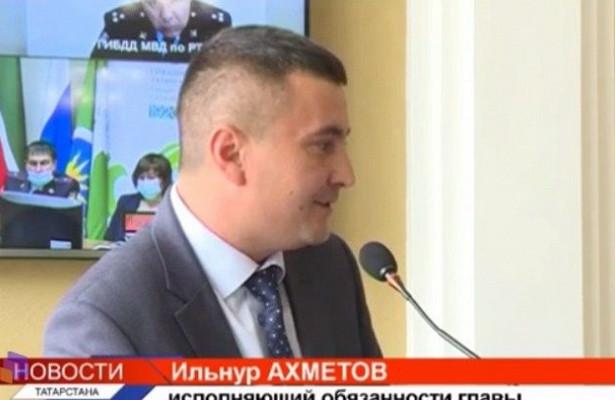 ВМуслюмово и.о. главы исполкома района отчитали затонировку наавто— видео