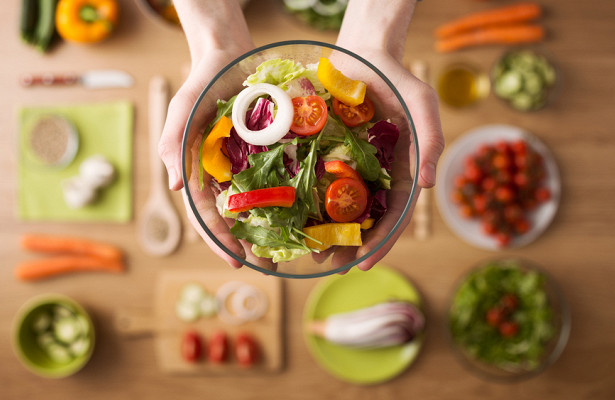 Диетолог показала, какснизить калорийность безуменьшения порций