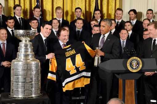 Обама принял хоккеистов «Питтсбурга» вБелом доме