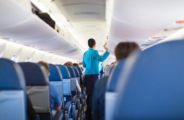 Стюардесса рассказала, какмстит пассажирам захамство