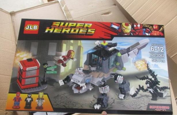 ВКраснодаре таможенники выявили контрафактные конструкторы LEGO на7,7млнрублей