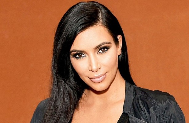 КимКардашьян обвинили вворовстве дизайна флакона длядухов