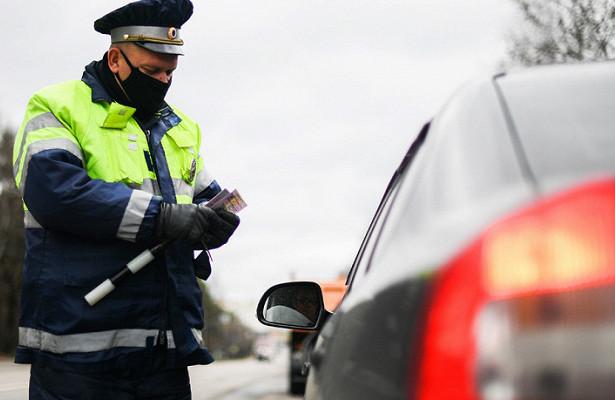 ГИБДД может получить право изымать документы наавтомобили