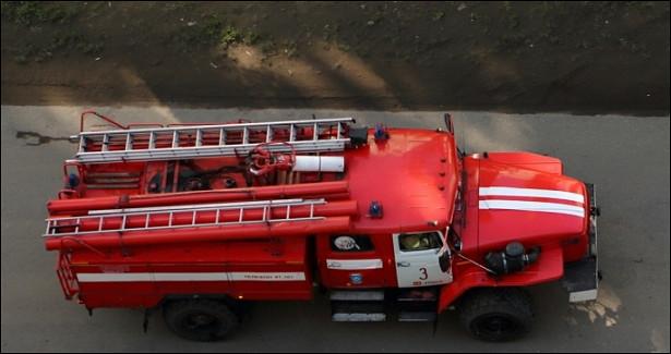 ВОмске спасатели вывели изгорящей многоэтажки 12человек